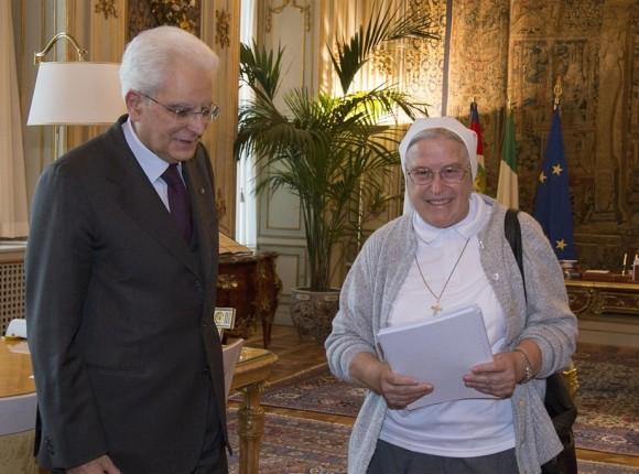 Suor Laura Cavaliere della Repubblica Italiana